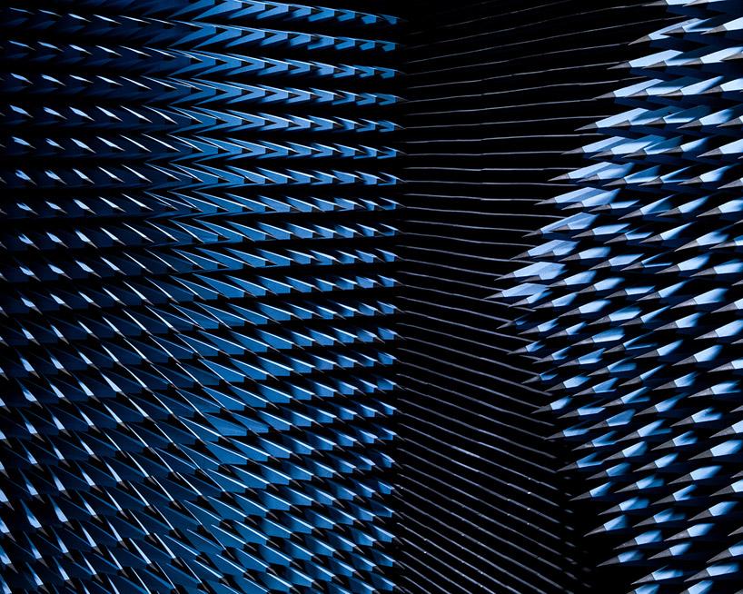 solar-anechoic-philip-alastair-designboom02