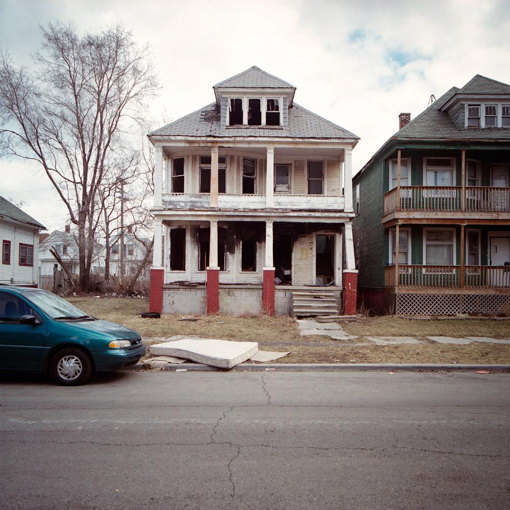 kevin-bauman-100-abandonded-detroit-houses-04