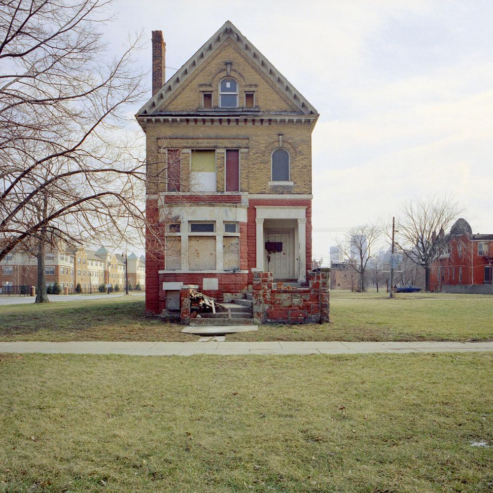kevin-bauman-100-abandonded-detroit-houses-05